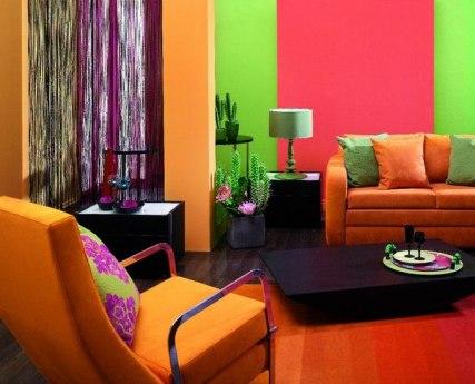 яркие цвета в комнате